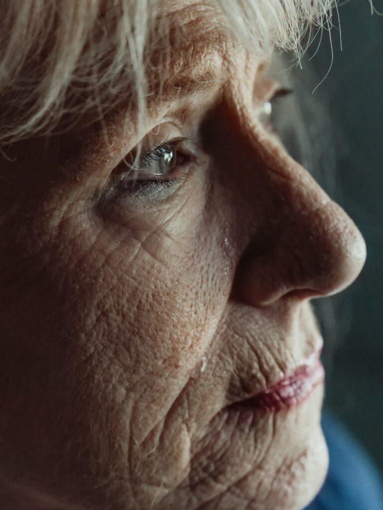 https://www.considerable.com/life/communication/stubborn-aging-parents/